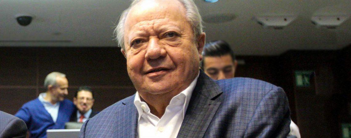 AMLO confirma que FGR investiga a Carlos Romero Deschamps
