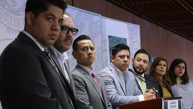 Diputados renuncian