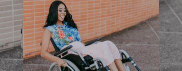 El drama de la joven de 20 años que quedó parapléjica tras hacerse un piercing