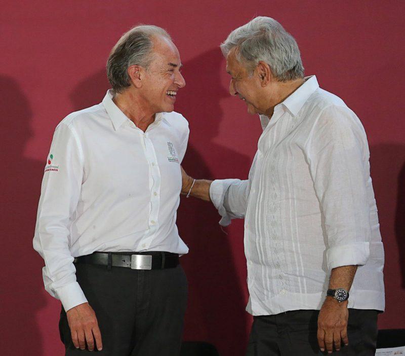 Gobernador Juan Manuel Carreras con Andrés Manuel López Obrador primer informe de gobierno