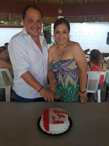 Yolanda Cepeda y hermano
