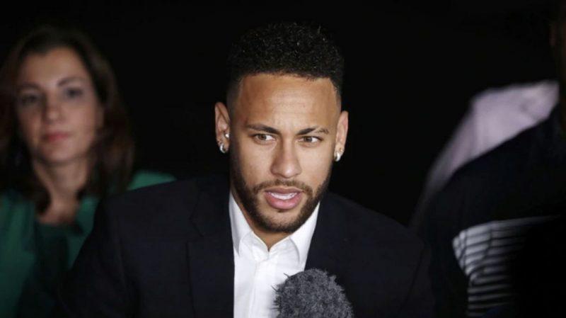 Neymar declara ante la comisaría