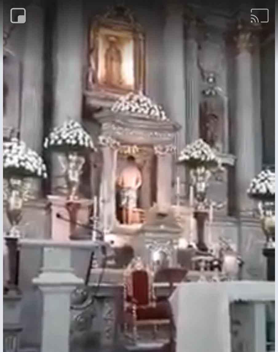 Video Joven Profana El Santuario De Guadalupe Se Desnuda Y