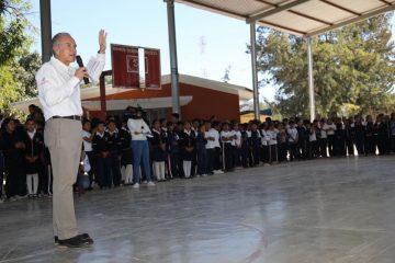 Juan Manuel Carreras en gira por Ciudad del Maiz