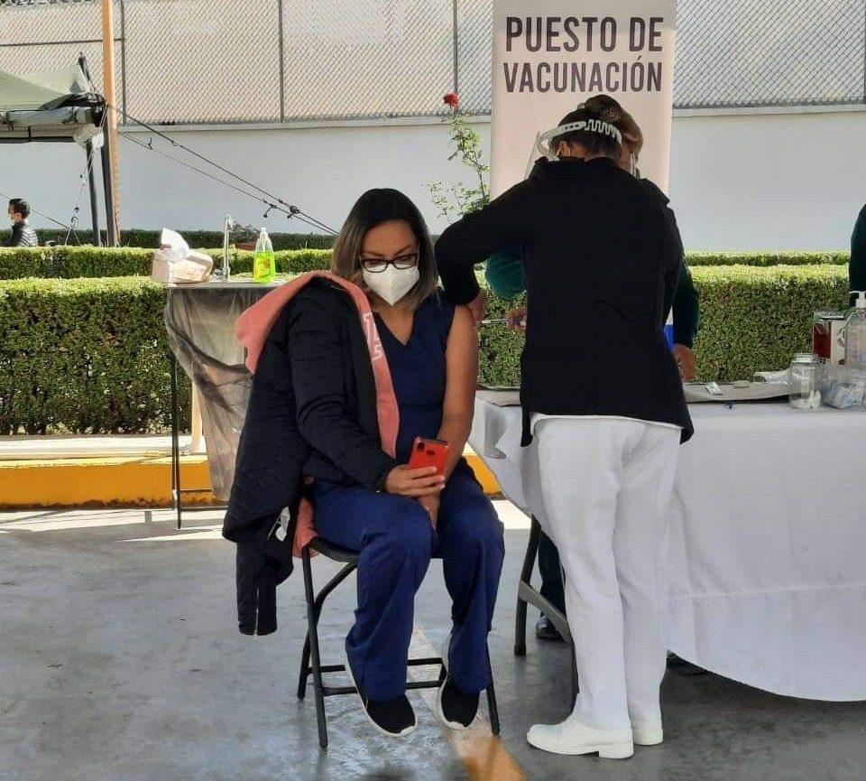 Personal-médico-slp-vacunación-covid-gratuitas