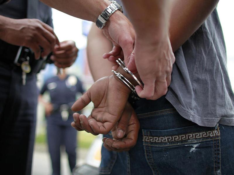 detenido amenazaba con suicidarse