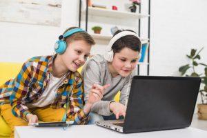 niños-juegan-online