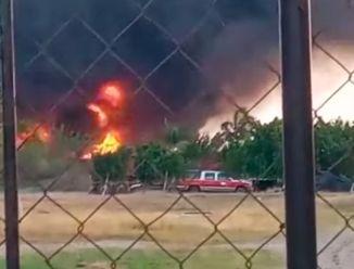 Incendio recicladora de Ébano fuera de control