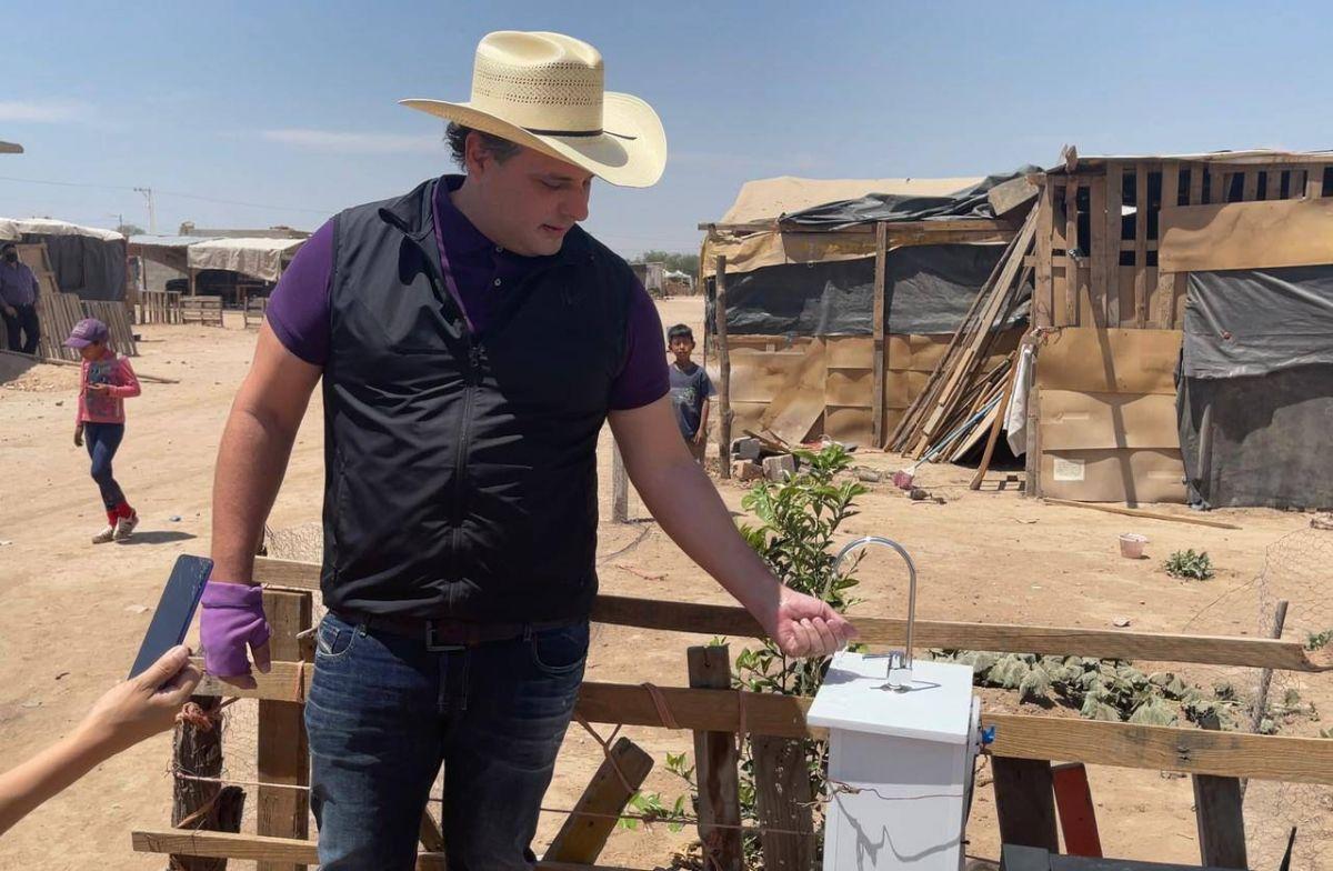 Privatizar el agua Adrián Esper