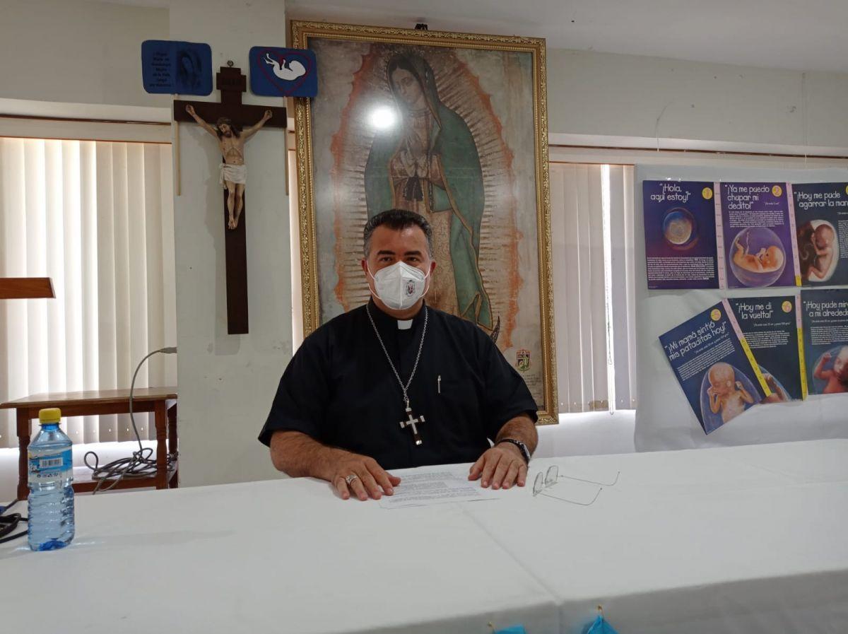 nuevos funcionarios no olviden escuchar al pueblo Obispo valles Roberto Yenny Garcí